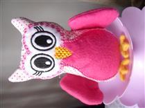 Coruja de pano rosa
