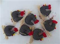 Mobile de 7 galinha pretas e brancas